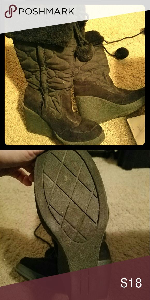 Winter wedge heel boots Black insulated wedge heeled boots. EUC. Great tread on the bottom of these boots that are good for winter days. Very warm boots. Shoes Heeled Boots