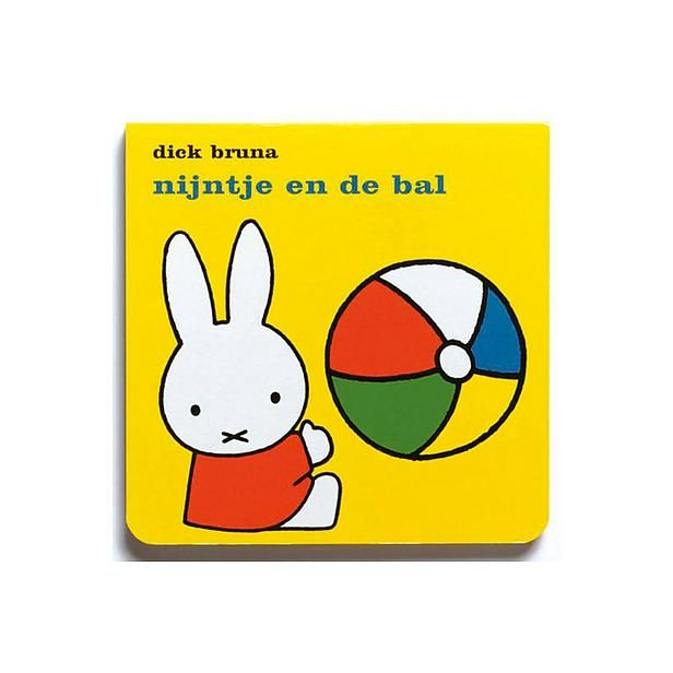 De boeken van Nijntje, hier las mijn mama uit voor voor het slapen gaan toen ik nog klein was, ik vond dat altijd leuk en kon dan goed slapen.