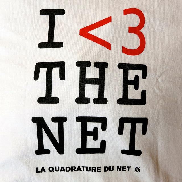 I <3 the net  La quadrature du net