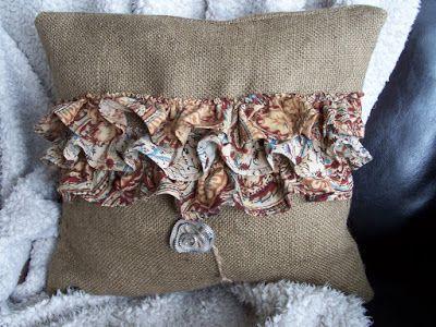 burlap ruffled pillow tutorial http://bec4-beyondthepicketfence.blogspot.com/2010/02/burlap-ruffled-pillowed.html
