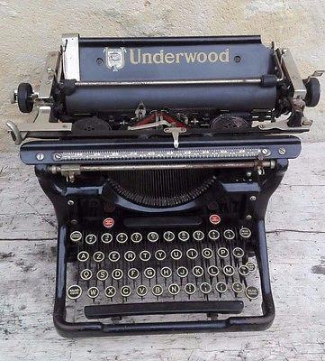 Machine à écrire ancienne UNDERWOOD Champion/old  typewriter/n°4552277-11 www.deco-collection.fr