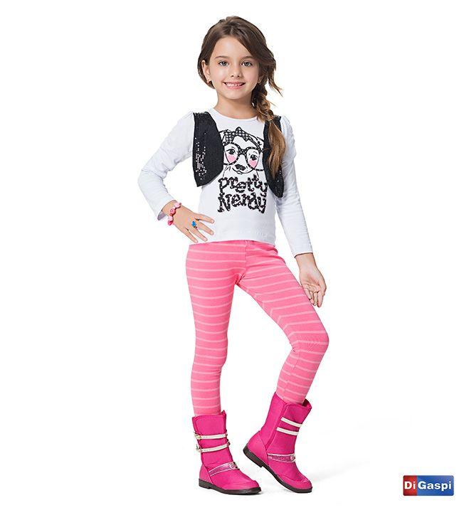 Quero rock!   blusa com colete de paetê - legging listrada - bota barbie  