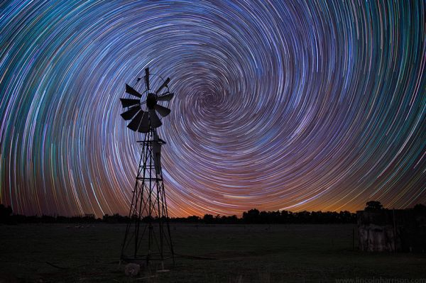 Dazzling Long Exposure Photos of Star Trails | #Photography #HowTo #StarTrails