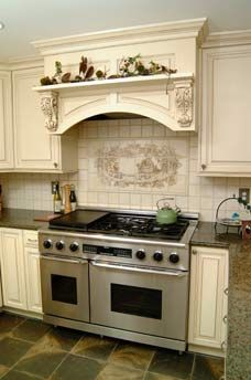 If You Re Looking For A Range Hood That Nestles Back Into Your Cabinets Stanisci Designs No Leg Mantle Style Wood Range Hood Is The Perfect Option For You