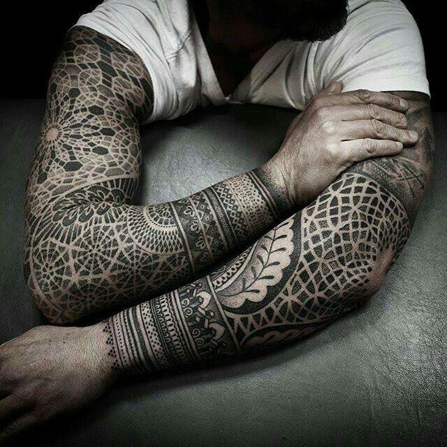 die besten 17 ideen zu m nner armtattoos auf pinterest tribal arm tattoos arm tattoo und. Black Bedroom Furniture Sets. Home Design Ideas