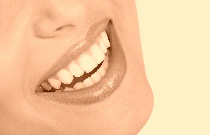 Jak radzono sobie z wybielaniem zębów dawniej?   Na szczęście obecnie jest o wiele łatwiej i przyjemniej, odwiedzając nasz gabinet sami się przekonacie!  http://wybielam-zeby.pl/dawne-sposoby-wybielania-zebow/