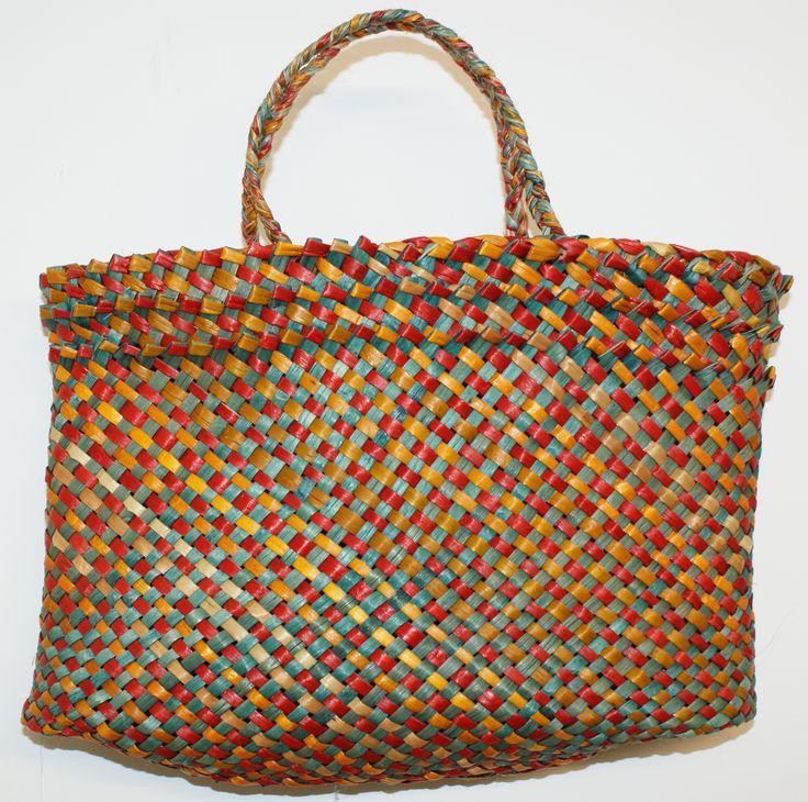 HARAKEKE KETE - TAKITAHI SPOTS 'Raranga/whatu - weaving here and now' @ VISUAL CULTURE