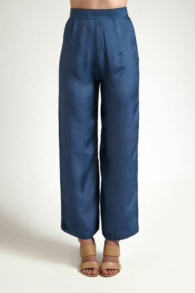 Moonstone Blue Wide Leg Silk Trousers from our new collection. Available to buy from alamairi.com #luxurytrousers #ethicalfashion #fashion #art #design #artlovers #inspiration #outfitinspiration #winterlooks #winter2014 #ootd #style #styleinspiration #fashionideas #outfitideas #design #fashionlovers #luxury #luxuryfashion