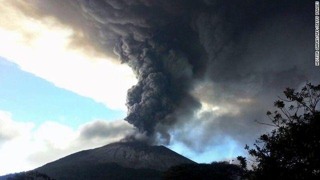Disso Voce Sabia?: Vulcão em El Salvador entra em erupção após 37 anos [vídeo ]