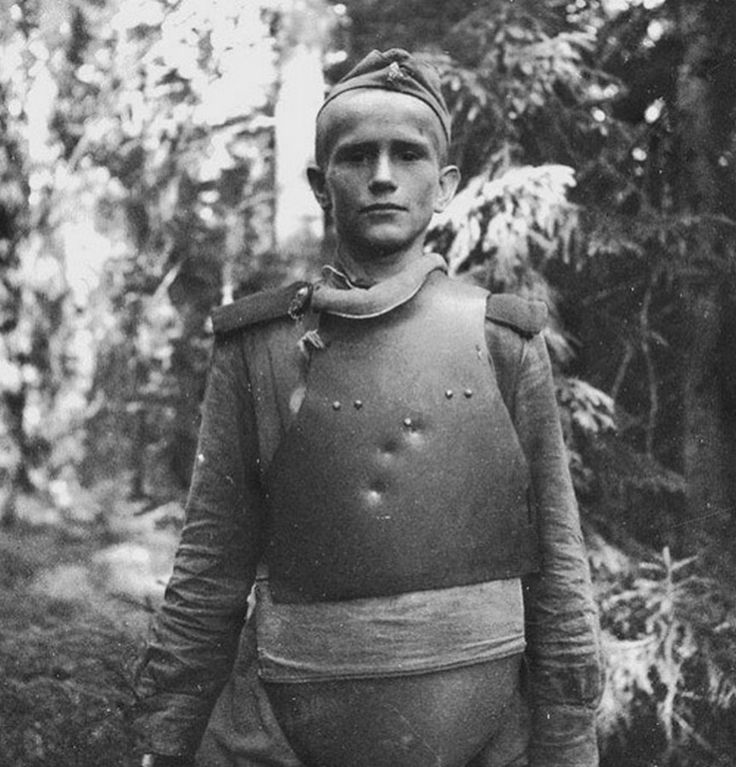 A young Russian combat engineer with body armor on the Karelian Front during the Russo-Finnish Continuation War (1944)