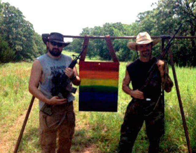 USA: Usan la bandera gay como diana en un campo de tiro