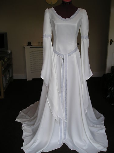 My Wedding Dress RIVENDELL LOTR MEDIEVAL PAGAN WEDDING HANDFASTING DRESS CUSTOM MADE mine will have a sweetheart neckline