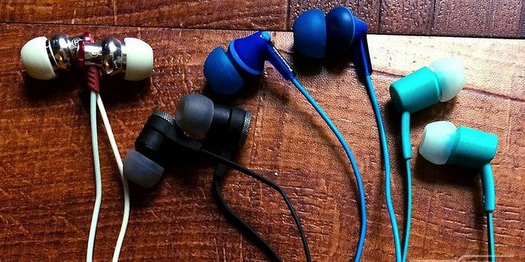 Purchasing expensive headphones can be a waste of money. Here's 3 great picks under $25! There are a plethora ofin-ear headphonesthat range from the very cheap to the really expensive, and many of them look very