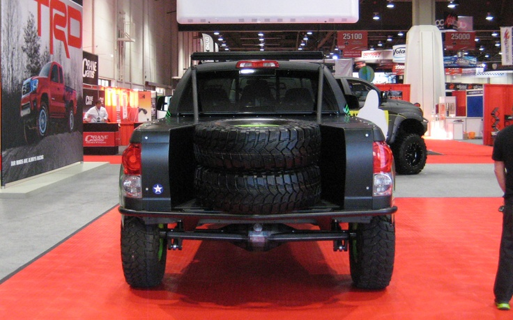 Toyota Prerunner Tundra rear Photo on November 1, 2012