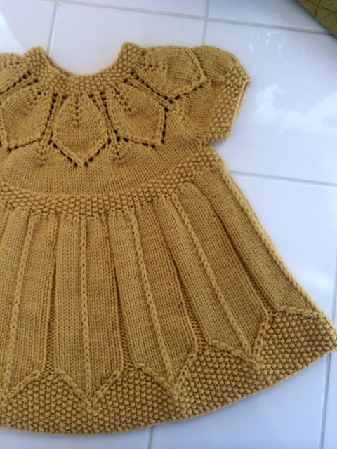 Ravelry: aquilterknits' Dottie's Petal Dress