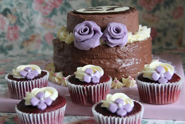 Cupcakes & Cake Red Velvet.