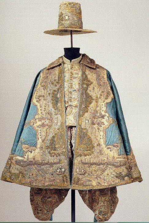 17th century man's ensemble; every item embroidered with a map. Staatliche Kunstsammlungen Dresden.