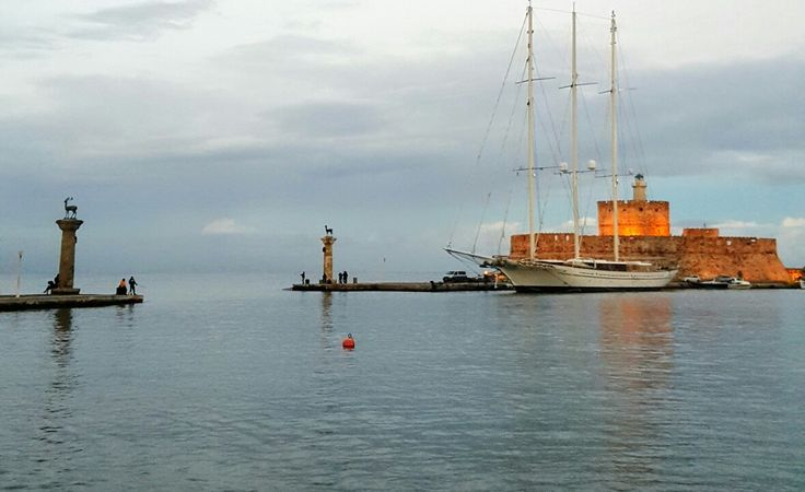 http://speedboatagelos.com/tour/santorini/