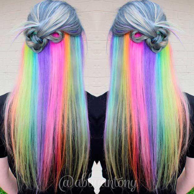 La gama de colores que le puedes dar a tu melena es infinita, y además ahora puedes innovar tiñendo el pelo de colores y haciendo creacionesincreíbles.