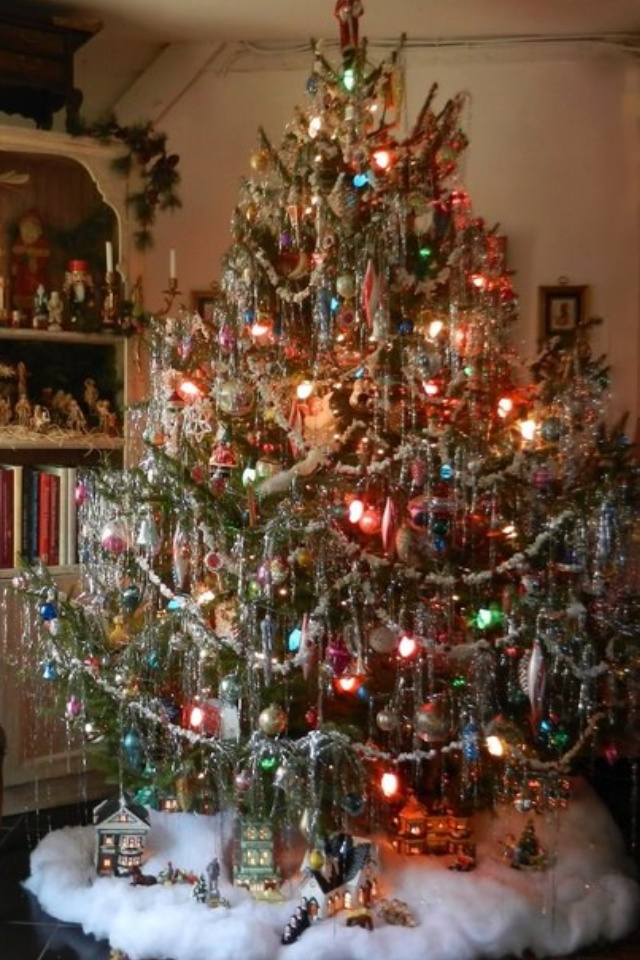 Lots Of Tinsel Mom Made Us Put It On One Strand At A Time