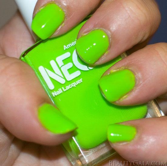 neongreenMuhly Nails, Nails Hair Etc, Green Lov, Green 3, Thiz Colors, Nails Thiz, Nails Polish, Green Nails, Painting Muhly