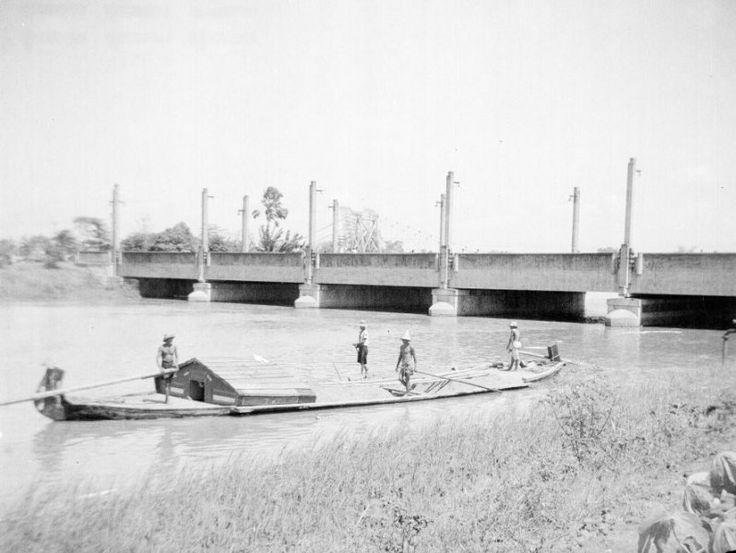 Wonokromo brug in Surabaya, Indonesië (1950)