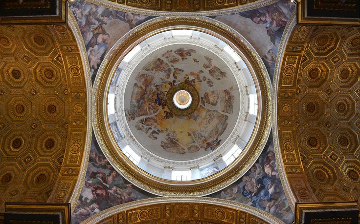 Detail of the ceiling of the Church of Girolamini located in Via Tribunali , Naples Dettaglio del soffitto della Chiesa dei Girolamini sita in via Tribunali _ Napoli #napoli #italy #church #affresco #light #travel #photography Architecture photography