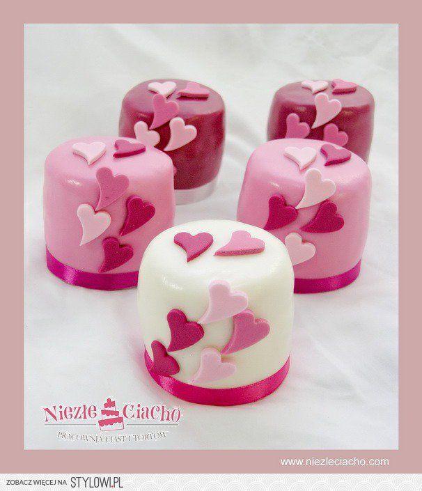 Mini cake, różowe mini cake, serduszka, torciki, tort weselny, różowe mini cakes na wesele