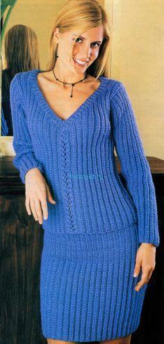 Вязаный пуловер и юбка спицами