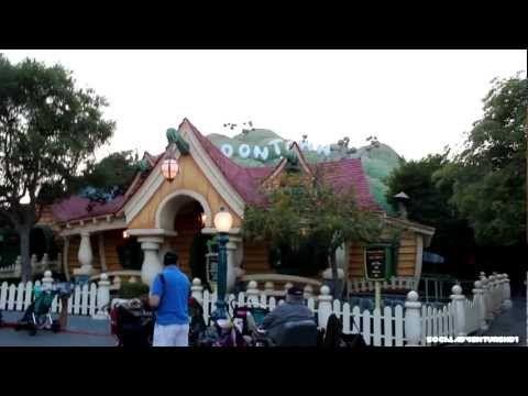 Mickeys House Tour - Full Mickeys House Walk-Through - Disneyland - Mickey ToonTown - YouTube