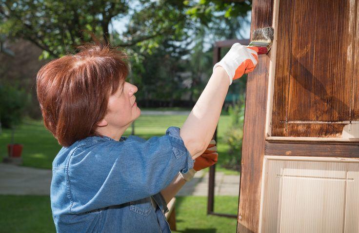 Holzhaustüren richtig pflegen
