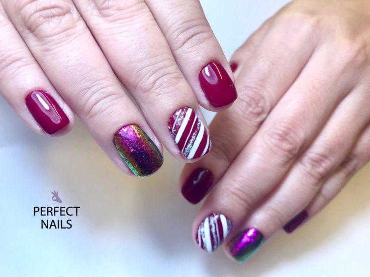 red nails, chameleon flakes nail art