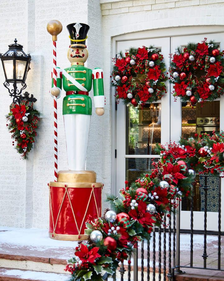 Live Form Red And Metallic Gold Drum Outdoor Christmas Decor Outside Christmas Decorations Christmas Decorations Sale Outdoor Christmas
