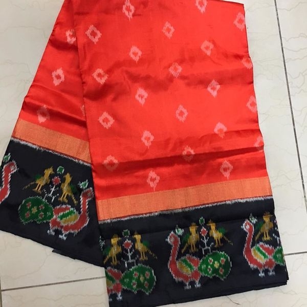 Buy IKS9900001-THAMBOORI's handwoven fantastic ikat silk-Orange black beauty, 800g online - Handwoven Kanchivarams,Soft Silks, Silk Cottons and Tussars!