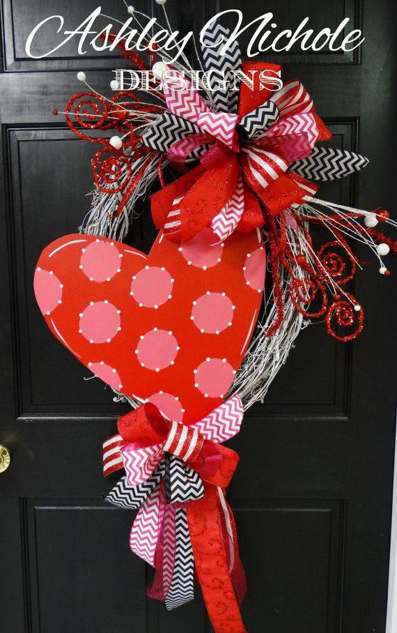 best 25 valentine day wreaths ideas on pinterest valentines day holiday valentine wreath and. Black Bedroom Furniture Sets. Home Design Ideas