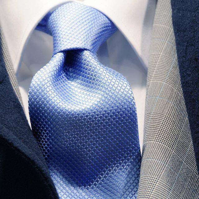Gravatas de seda, blazers príncipe de galês, sobretudo, camisa fio egípcio, coleção Decinelli... #modamasculina #ternos #euusodecinel #ternoslim #alfaiataria #suits #instagood #luxury #luxo #sobmedida #style #suit #slimfit Televendas Whatsapp (11) 98396-8235