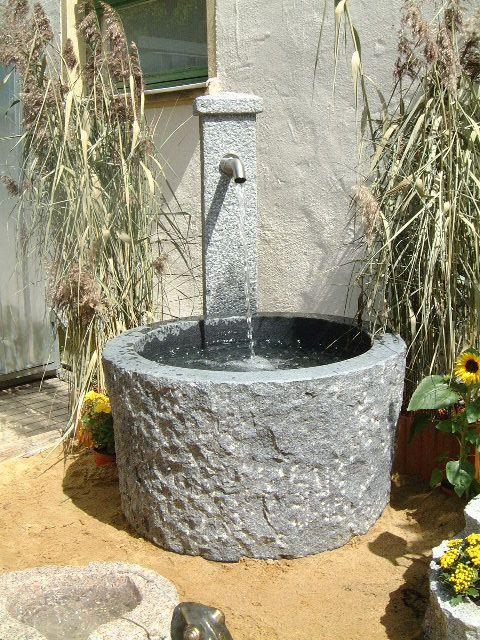 Gartenbrunnen Aus Granit Brunnencenter Allgau Brunnen Garten Gartenbrunnen Wasserhahn Garten