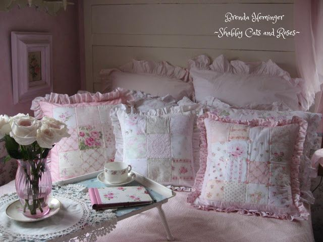 Shabby Cats and Roses: Victorian Bed and Patchwork Pillows
