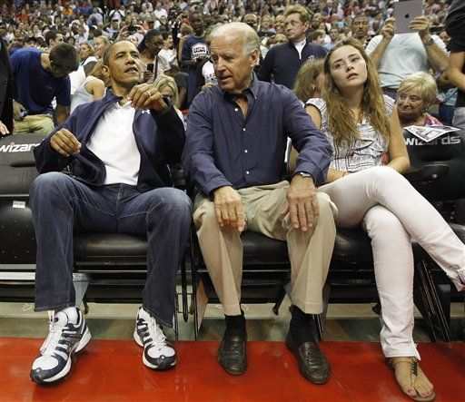 joe biden's granddaughter | Barack Obama, Joe Biden, Naomi Biden