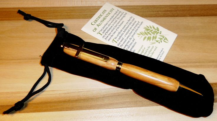 Hand Turned Bethlehem Olive Wood Twist Ink Pen- Certificate of Auth. - 24 Kt. Gold. w/ Cross clip - Bonus: INCLUDES MATCHING BOX!