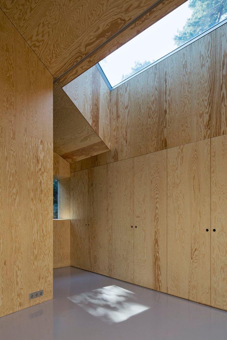 Augustin und Frank Architekten - Beach house, Saarow 2013. Via, photos (C) Werner Hutmacher.