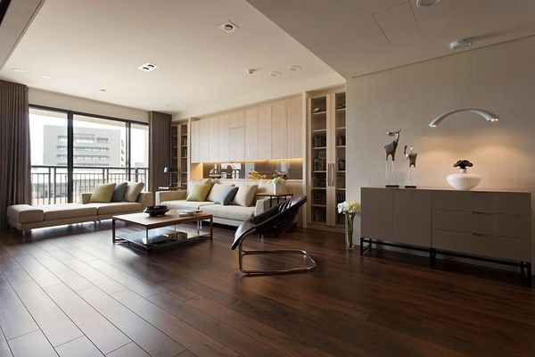 Very elegant and neat, this interior exhales style and sophistication. The decoration is the work ofFertility Design, a very interesting Chinese studio, that managed to integrate a movable wall inside the house, in order to...