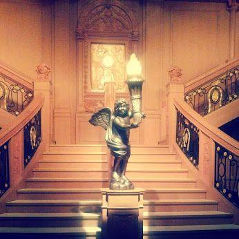 #отель #статуя #гостиница #Москва