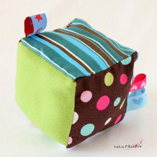 le vide-atelier des créatives» Blog Archive » DIY Couture : Réalisez un cube d'éveil
