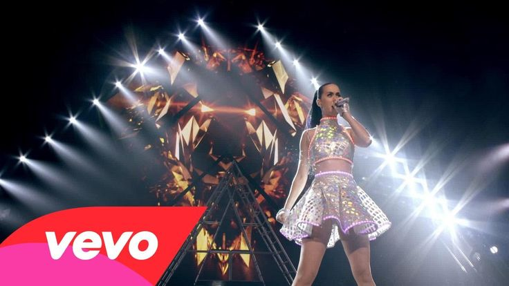 Katy Perry - Roar (The PRISMATIC WORLD TOUR LIVE)