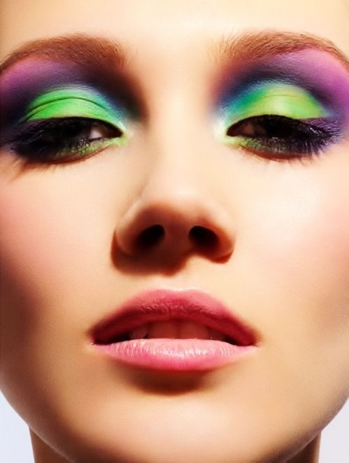 Bold green color eyeshadow THis is exactly how I did my makeup for a while during 8th grade before I went all black... -X