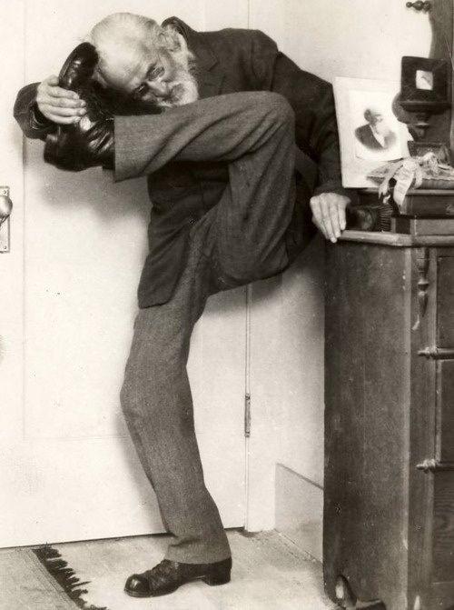 Sigmund Freud : yoga? :-)