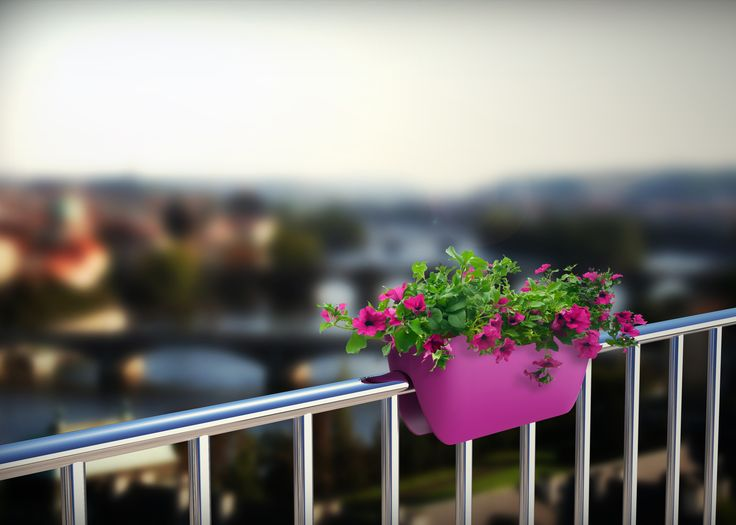 Balconia OVI - railing planters are an ideal solution for urban jungles. Save space with our Balconia planter.