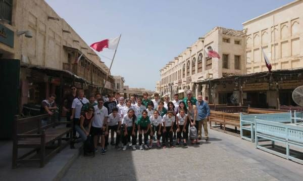 El Equipo Municipal de Fútbol Femenino, de escala en Qatar
