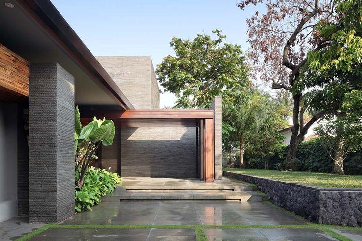 Gallery of Diminished House / Wahana Architects - 3